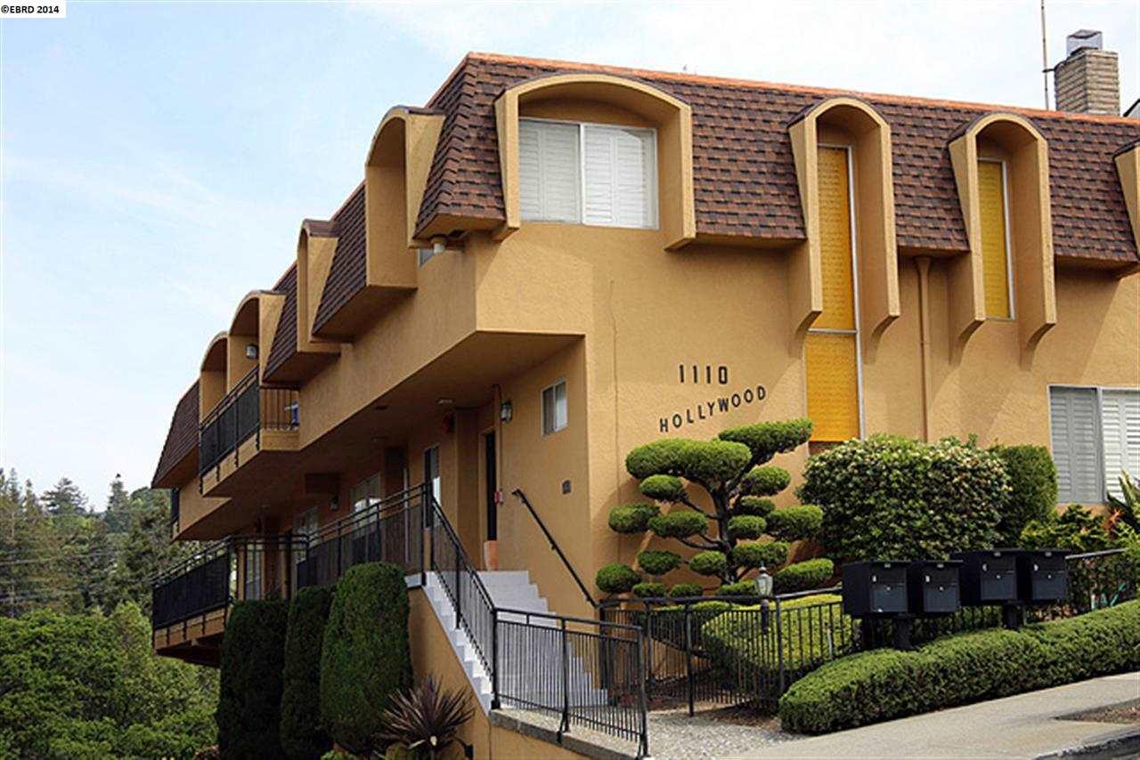 Casa Unifamiliar por un Venta en 1110 HOLLYWOOD Avenue Oakland, California 94602 Estados Unidos