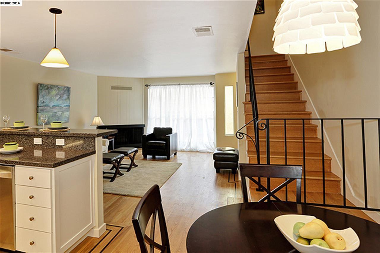Additional photo for property listing at 1110 HOLLYWOOD Avenue  Oakland, California 94602 Estados Unidos