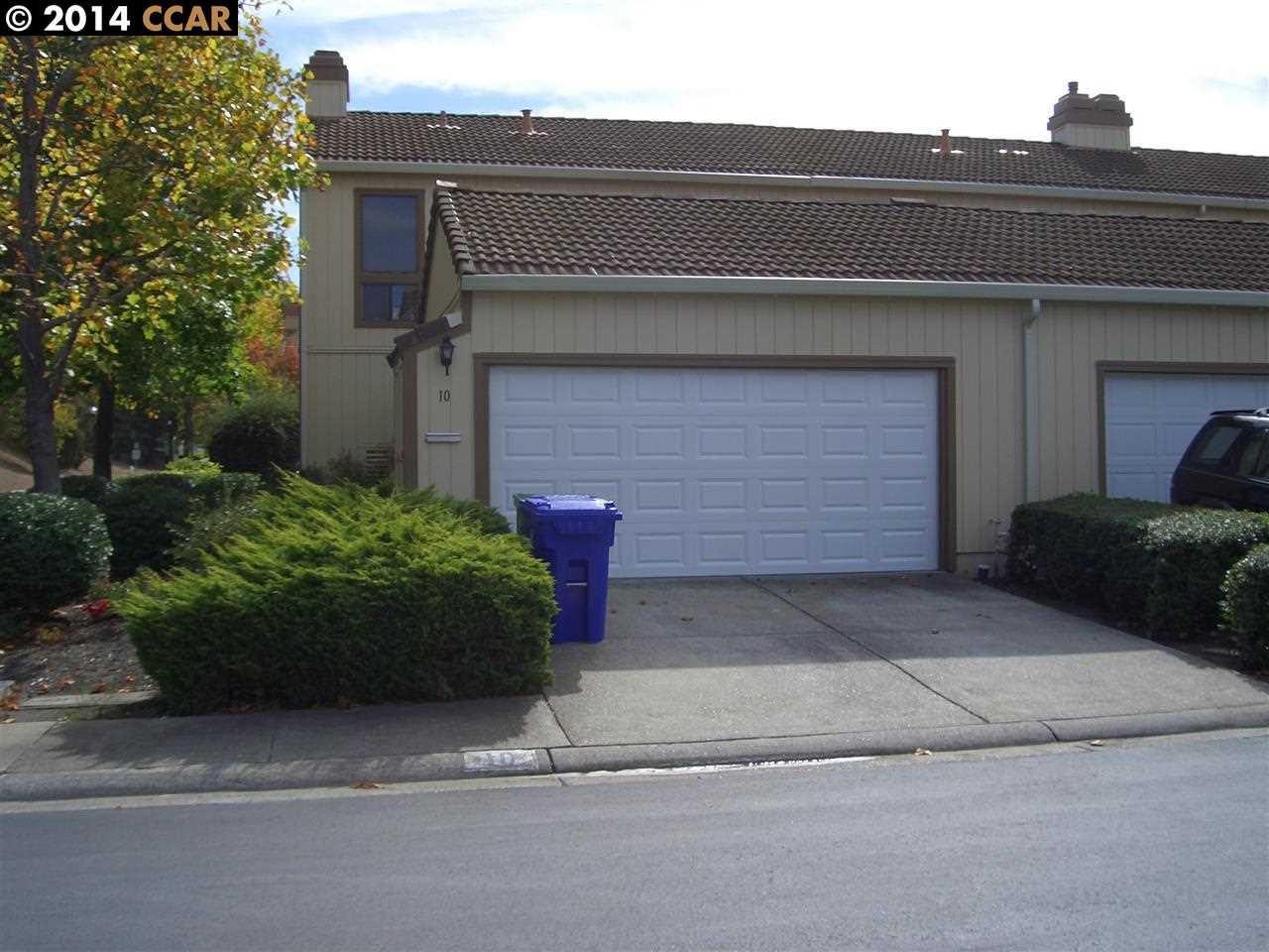 Einfamilienhaus für Verkauf beim 10 HILL Court Hercules, Kalifornien 94547 Vereinigte Staaten