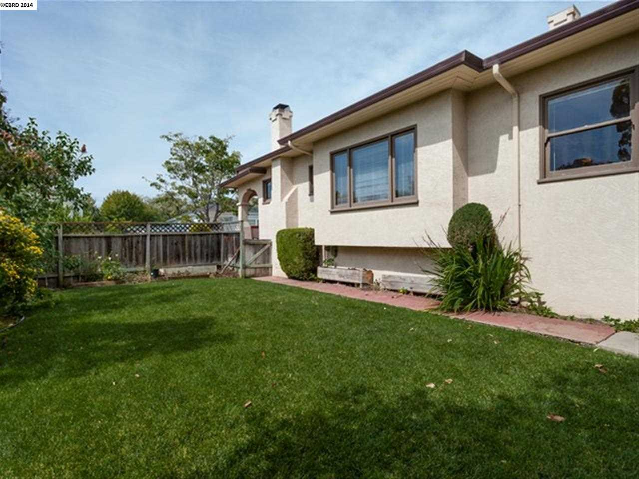 Additional photo for property listing at 2913 MADISON Street  Alameda, California 94501 United States