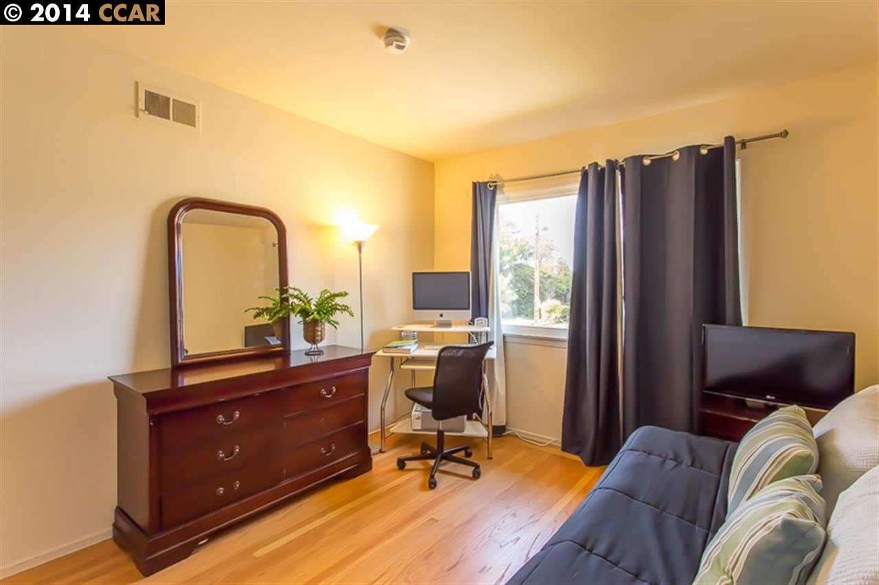 Additional photo for property listing at 12811 BROOKPARK Road 12811 BROOKPARK Road Oakland, California 94619 United States