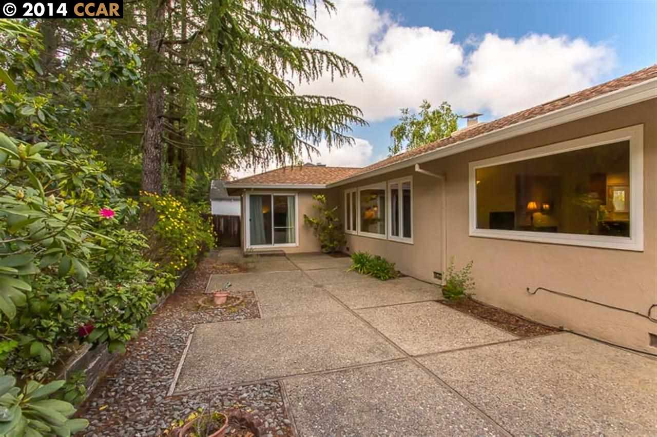 Additional photo for property listing at 12811 BROOKPARK Road  Oakland, California 94619 United States