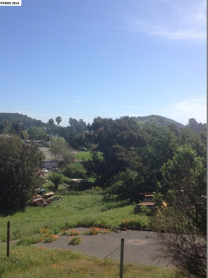 Additional photo for property listing at 45 HELTSLEY Place  El Sobrante, California 94803 Estados Unidos