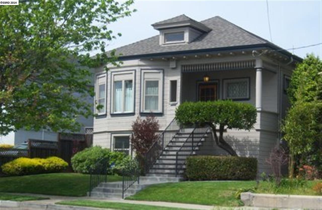 Casa Unifamiliar por un Venta en 2368 E 22nd Street Oakland, California 94601 Estados Unidos
