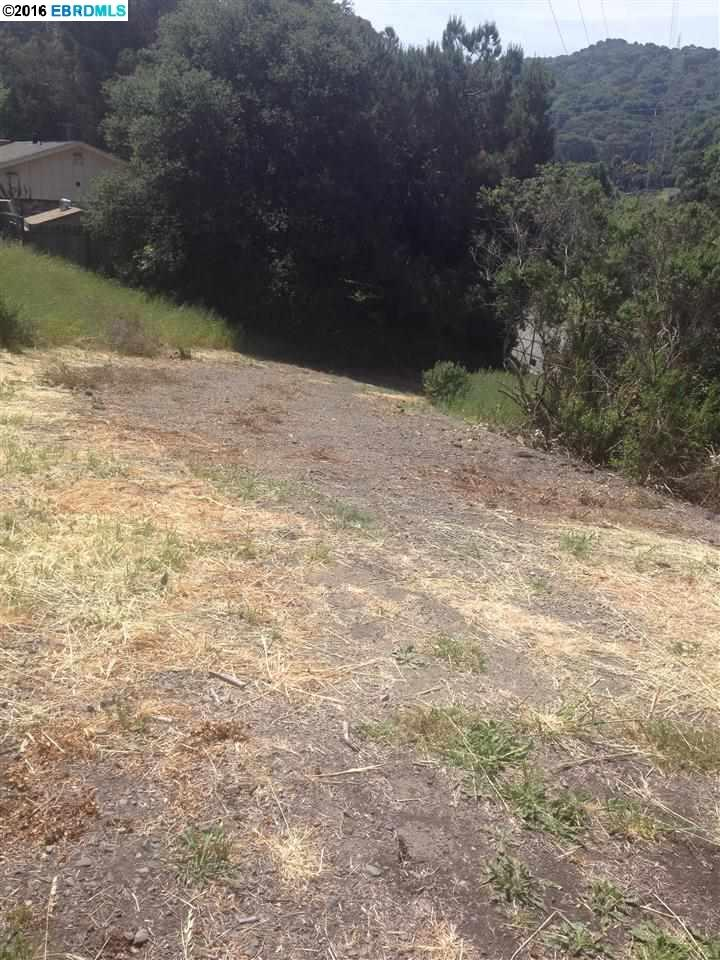 Additional photo for property listing at 6171 HILLSIDE Drive 6171 HILLSIDE Drive El Sobrante, Californie 94803 États-Unis