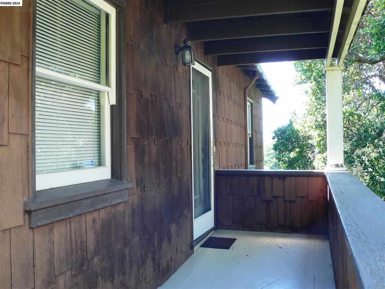 Additional photo for property listing at 548 VINCENTE Avenue  Berkeley, Californie 94707 États-Unis