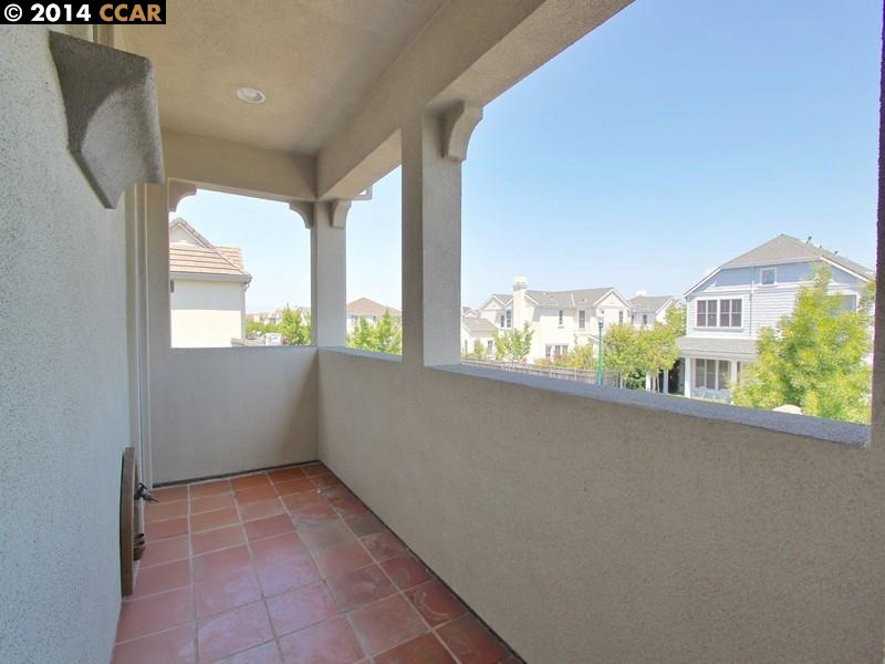 Additional photo for property listing at 410 Hollister Avenue  Alameda, California 94501 United States