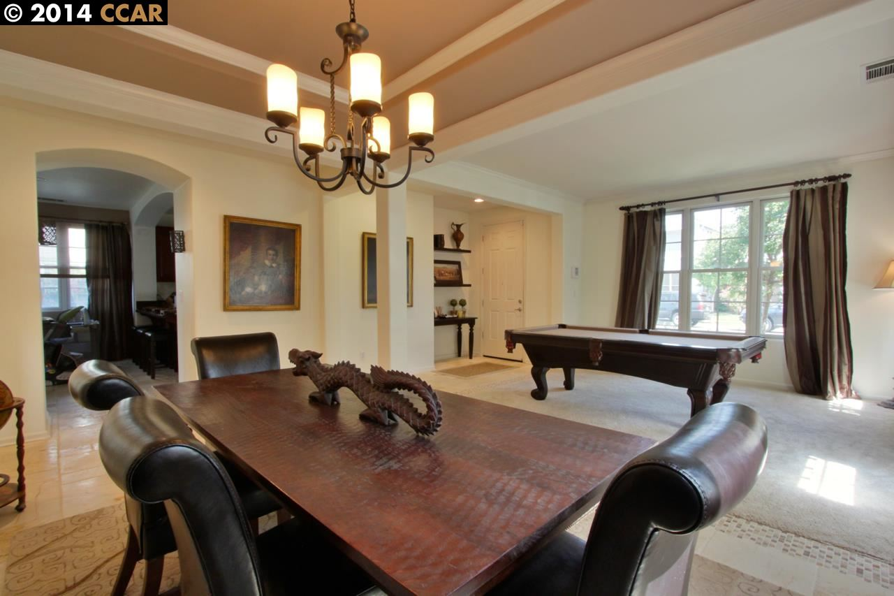 Additional photo for property listing at 410 Hollister Avenue  Alameda, Californie 94501 États-Unis