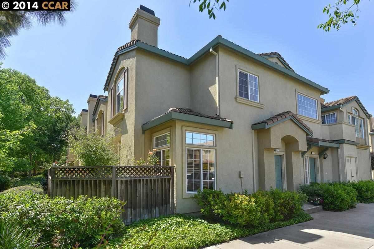 واحد منزل الأسرة للـ Sale في 4160 TORINO Court Pleasanton, California 94588 United States