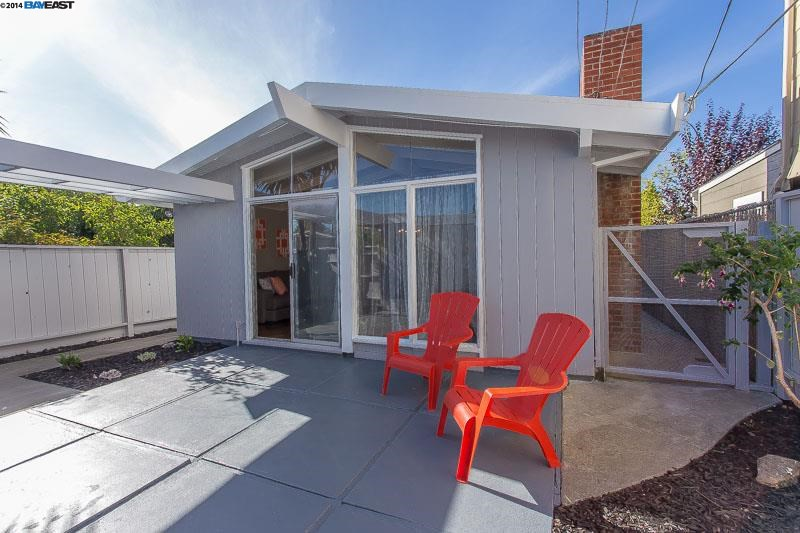 Additional photo for property listing at 1207 CARLETON Street  Berkeley, California 94702 United States