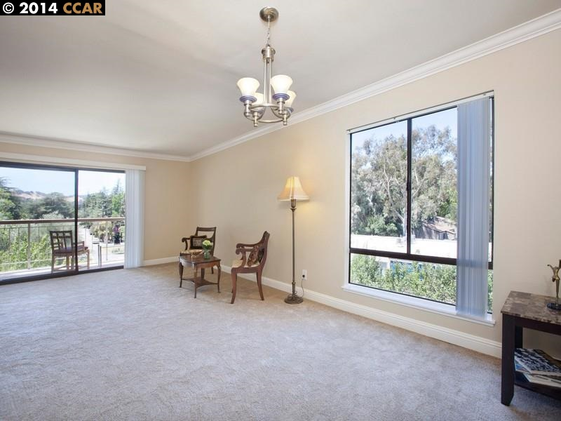 Additional photo for property listing at 470 N CIVIC Drive  Walnut Creek, Californie 94596 États-Unis