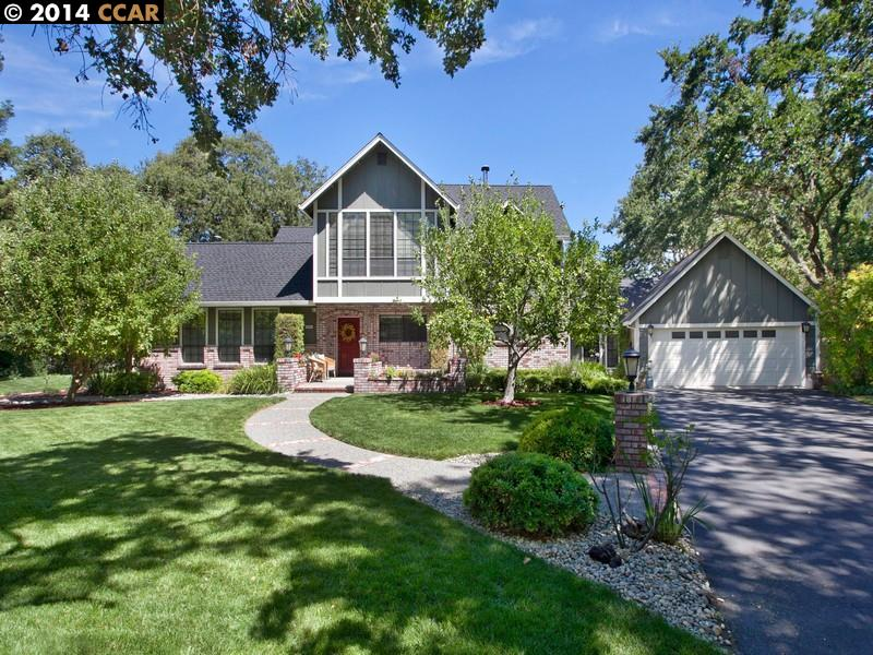 Maison unifamiliale pour l Vente à 1786 Castle Hill Road Walnut Creek, Californie 94595 États-Unis
