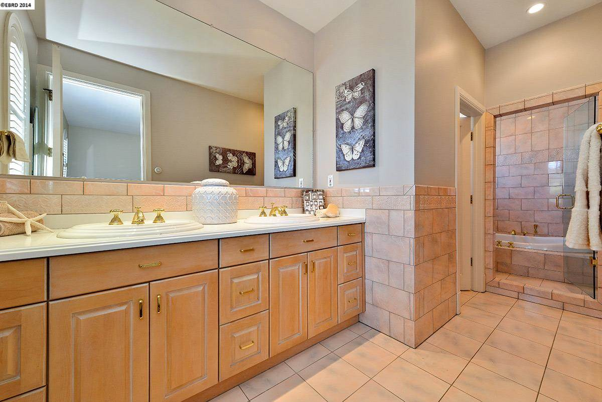 Additional photo for property listing at 1016 AMITO Drive  Berkeley, Kalifornien 94705 Vereinigte Staaten