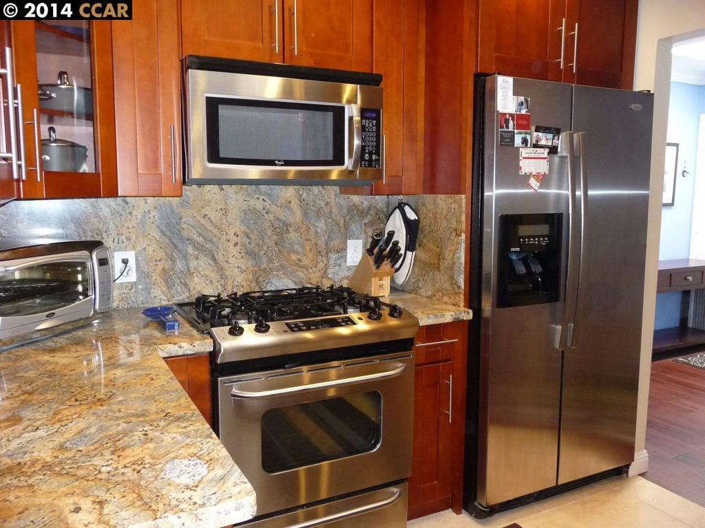 واحد منزل الأسرة للـ Sale في 430 N CIVIC Drive Walnut Creek, California 94596 United States