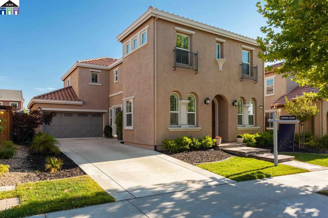 Частный односемейный дом для того Продажа на 1230 HALIFAX WAY San Ramon, Калифорния 94582 Соединенные Штаты