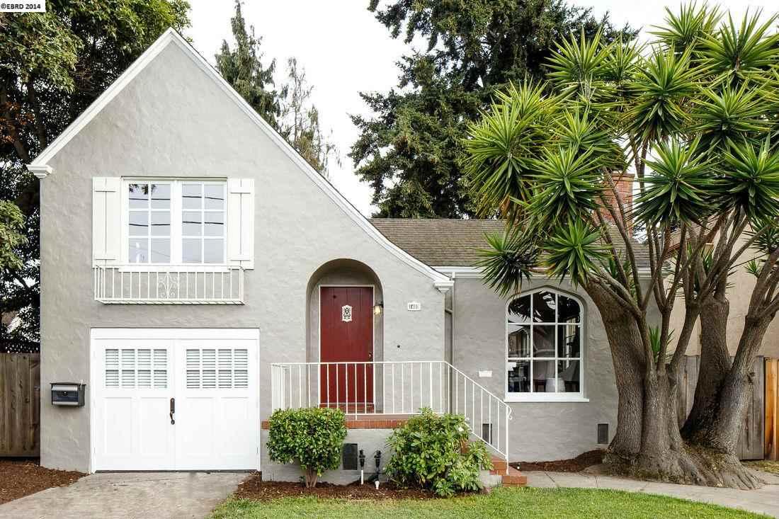 Maison unifamiliale pour l Vente à 1480 DWIGHT WAY Berkeley, Californie 94702 États-Unis
