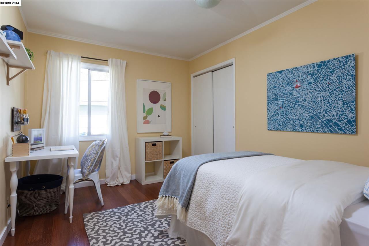 Additional photo for property listing at 60 ARLINGTON Court  Kensington, California 94707 Estados Unidos