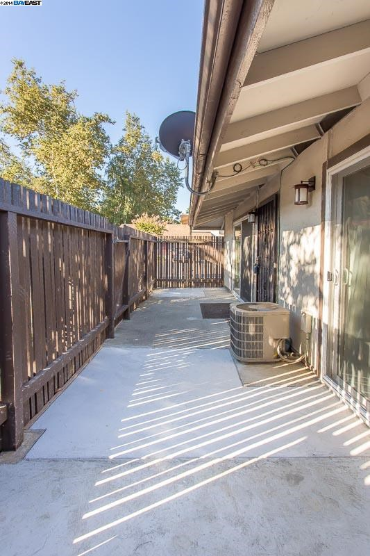 Additional photo for property listing at 5476 ROUNDTREE Place  Concord, California 94521 United States
