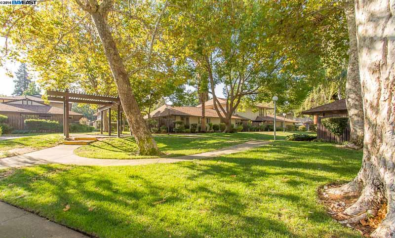 Additional photo for property listing at 5476 ROUNDTREE Place  Concord, California 94521 Estados Unidos
