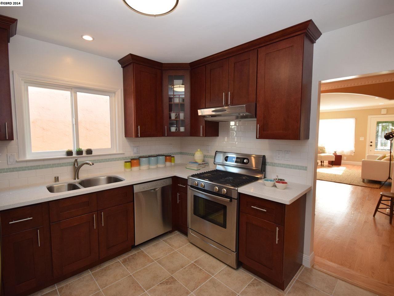 Additional photo for property listing at 949 EVELYN Avenue  Albany, Калифорния 94706 Соединенные Штаты