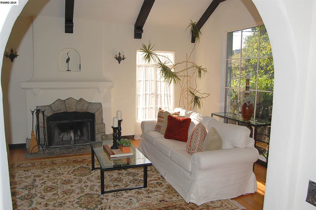 Additional photo for property listing at 543 58TH Street  Oakland, Californie 94609 États-Unis