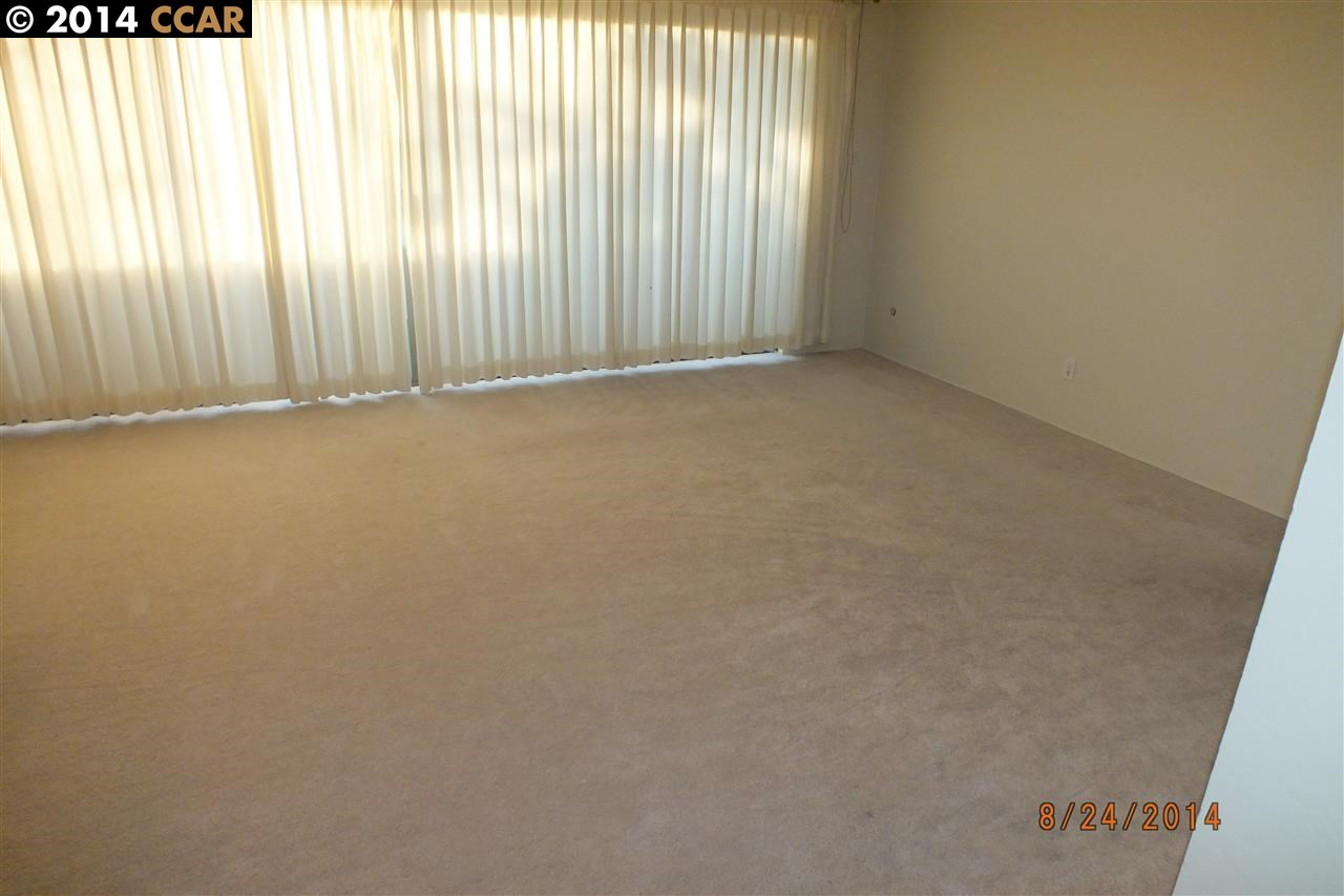 Additional photo for property listing at 2515 CENTRAL Avenue  Alameda, California 94501 United States