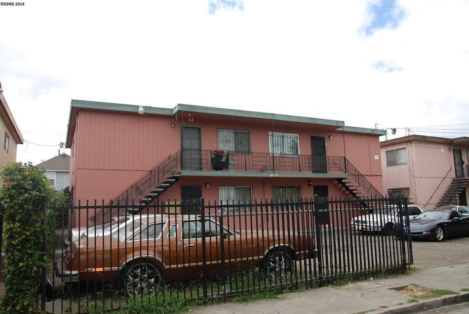 Additional photo for property listing at 10558 TOPANGA Drive  Oakland, Californie 94603 États-Unis