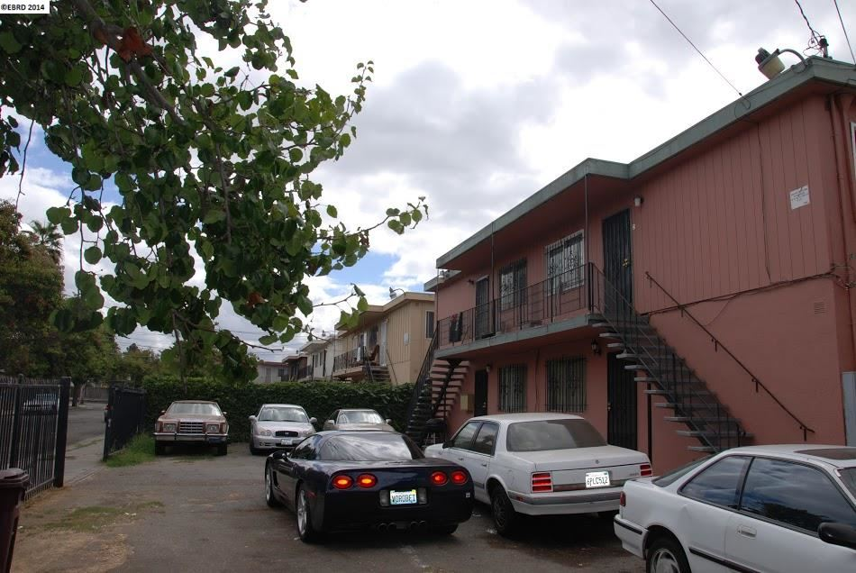 Additional photo for property listing at 10558 TOPANGA Drive  Oakland, California 94603 United States