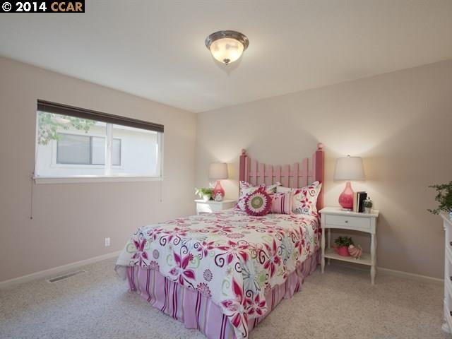 Additional photo for property listing at 2070 BANBURY Road  Walnut Creek, Californie 94598 États-Unis