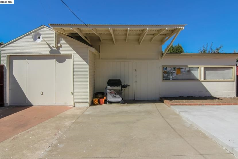 Additional photo for property listing at 364 Belleview Drive  San Leandro, California 94577 Estados Unidos