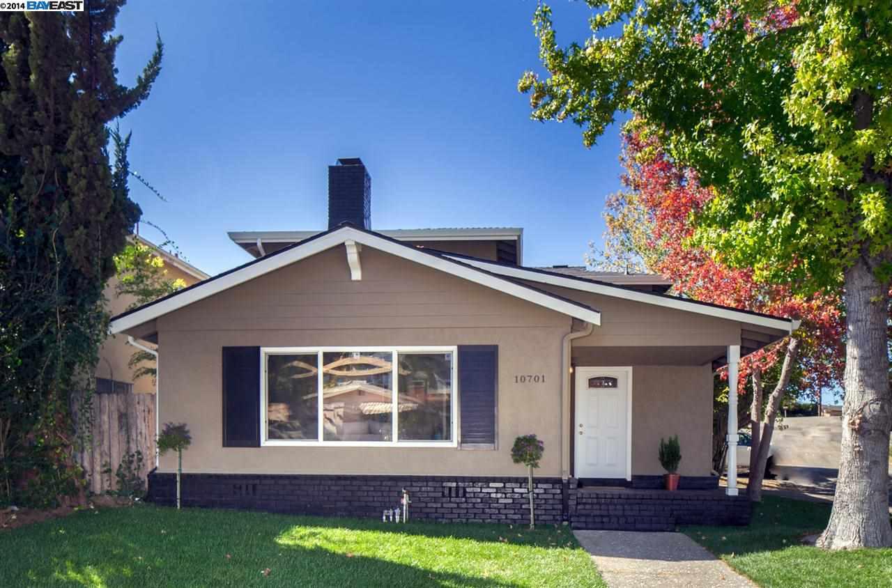 واحد منزل الأسرة للـ Sale في 10701 Mark Street Oakland, California 94605 United States