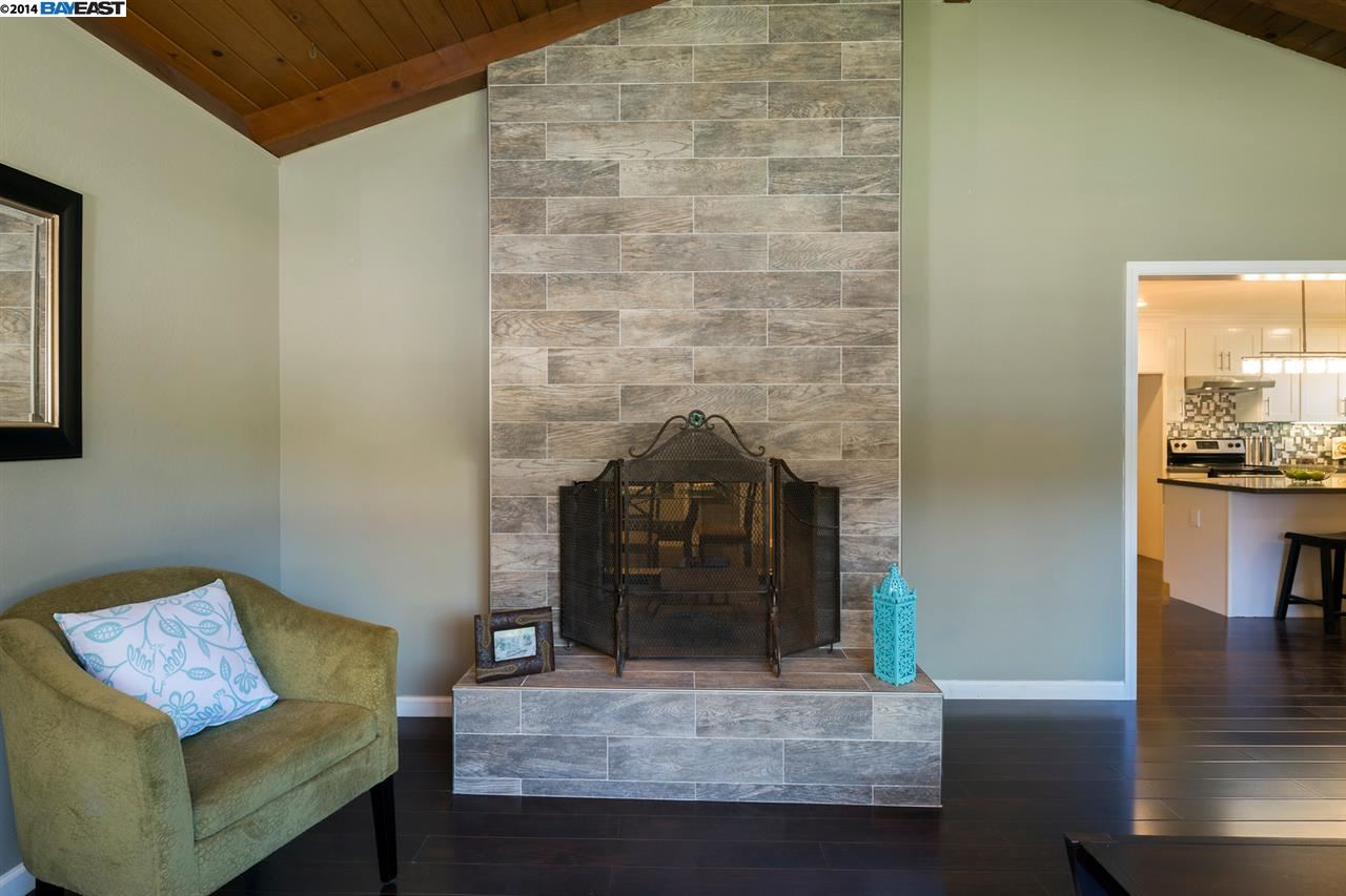 Additional photo for property listing at 10701 Mark Street  Oakland, California 94605 United States