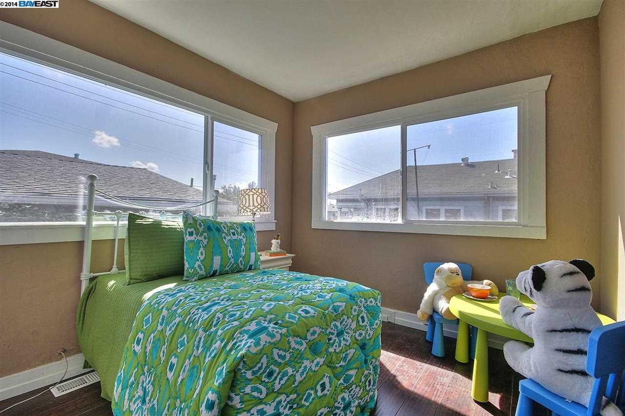 Additional photo for property listing at 5655 ADELINE Street  Oakland, California 94608 Estados Unidos