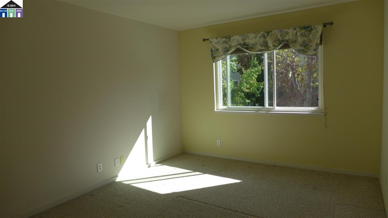 Additional photo for property listing at 1315 A Street  Hayward, California 94541 Estados Unidos