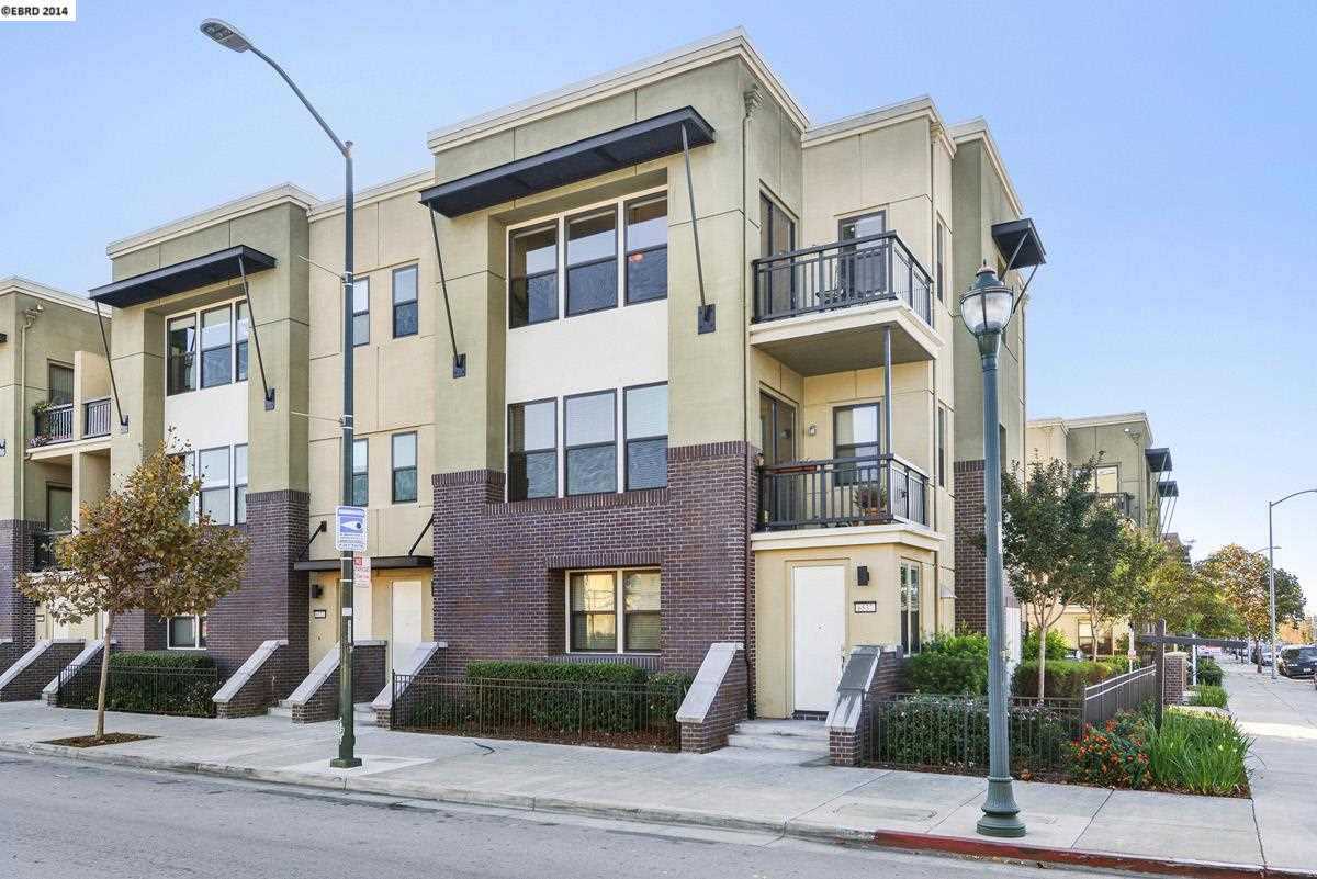واحد منزل الأسرة للـ Sale في 6535 San Pablo Avenue Oakland, California 94608 United States