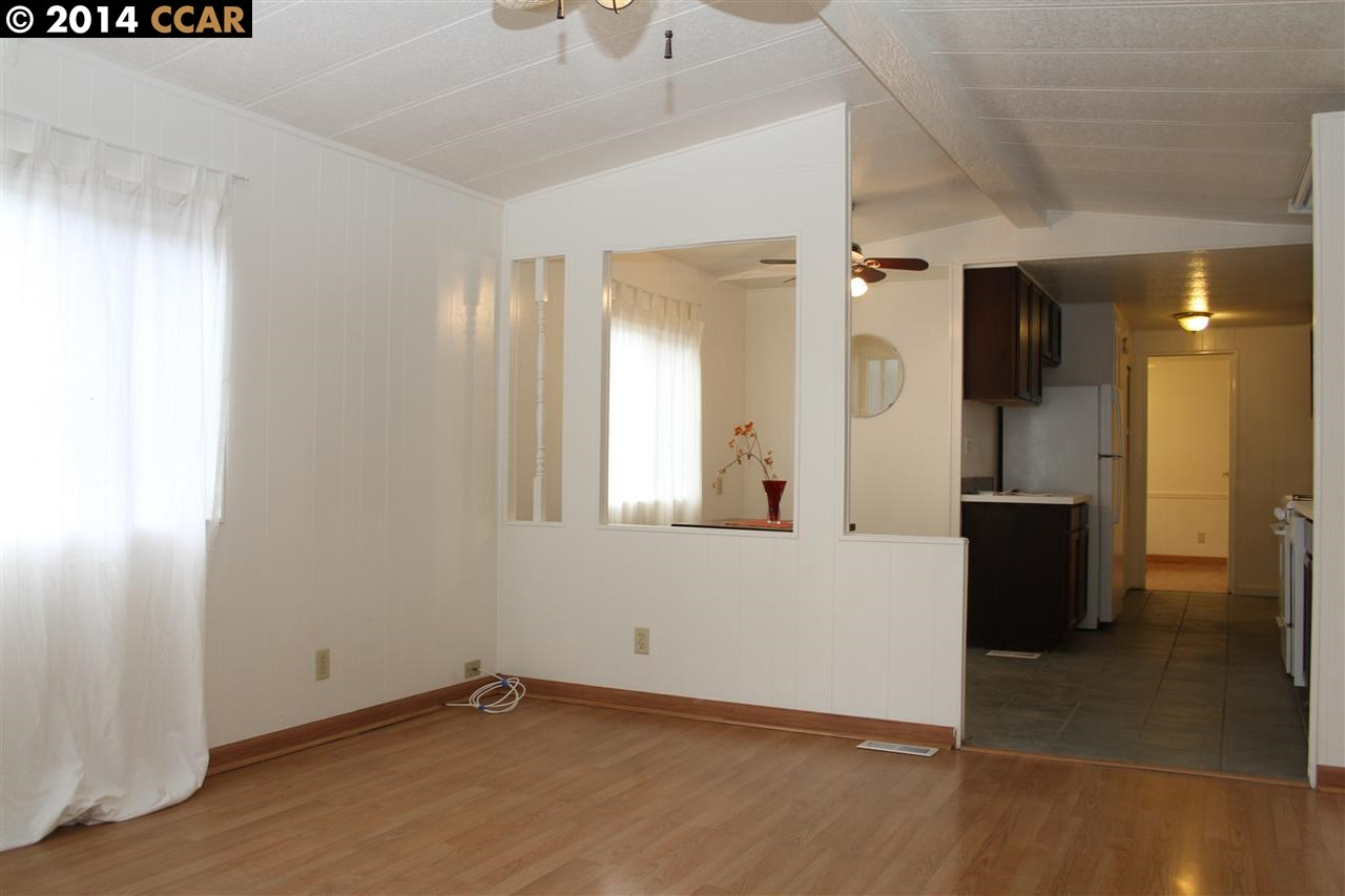 Additional photo for property listing at 964 21ST Street  Oakland, California 94607 United States