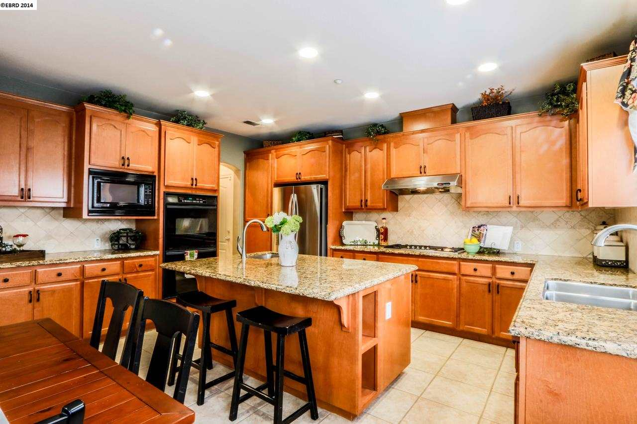 Additional photo for property listing at 1022 MEADOW BROOK Drive  Brentwood, California 94513 United States