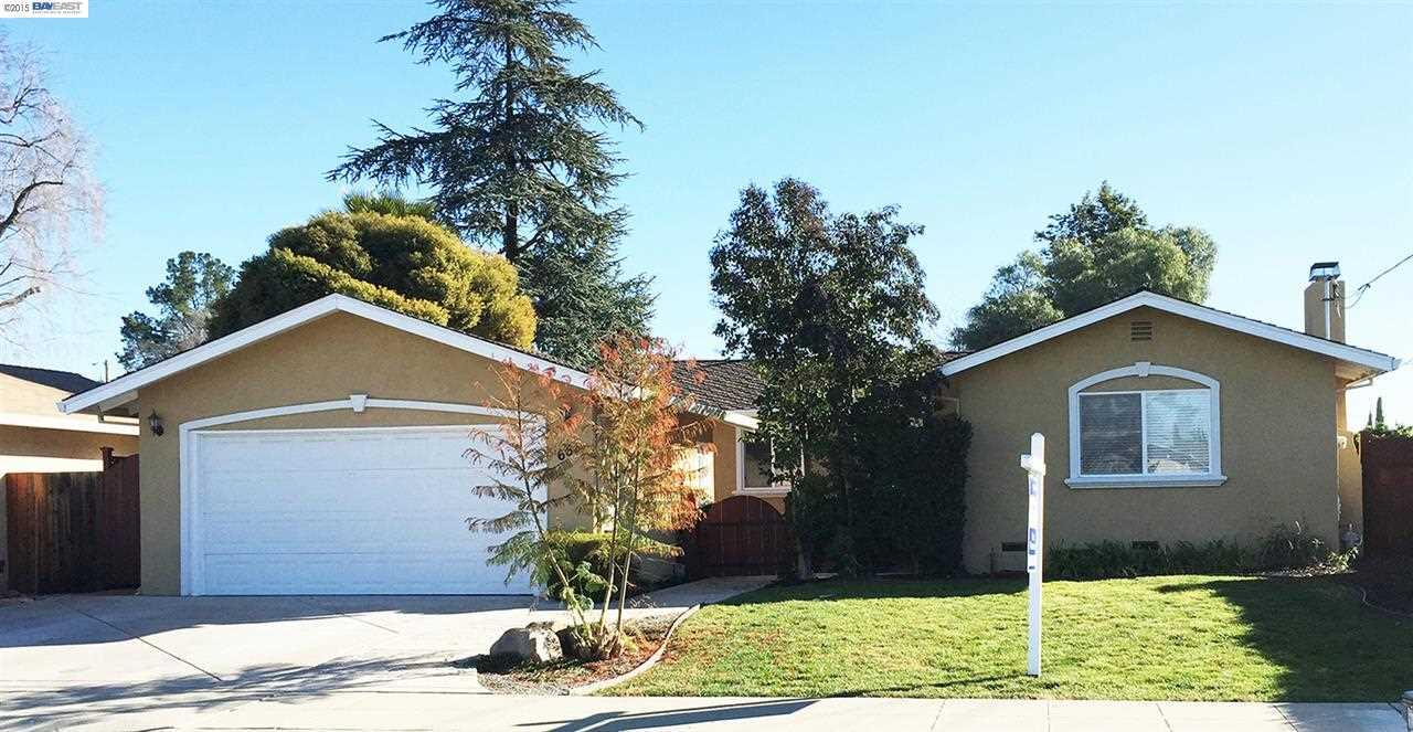 Casa Unifamiliar por un Venta en 661 FALCON WAY Livermore, California 94551 Estados Unidos