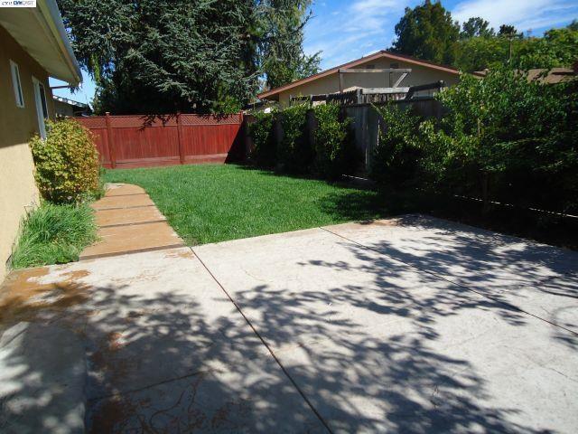 Additional photo for property listing at 661 FALCON WAY  Livermore, California 94551 Estados Unidos
