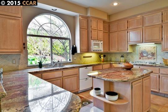 Additional photo for property listing at 121 ALTA VISTA WAY  Danville, California 94506 Estados Unidos