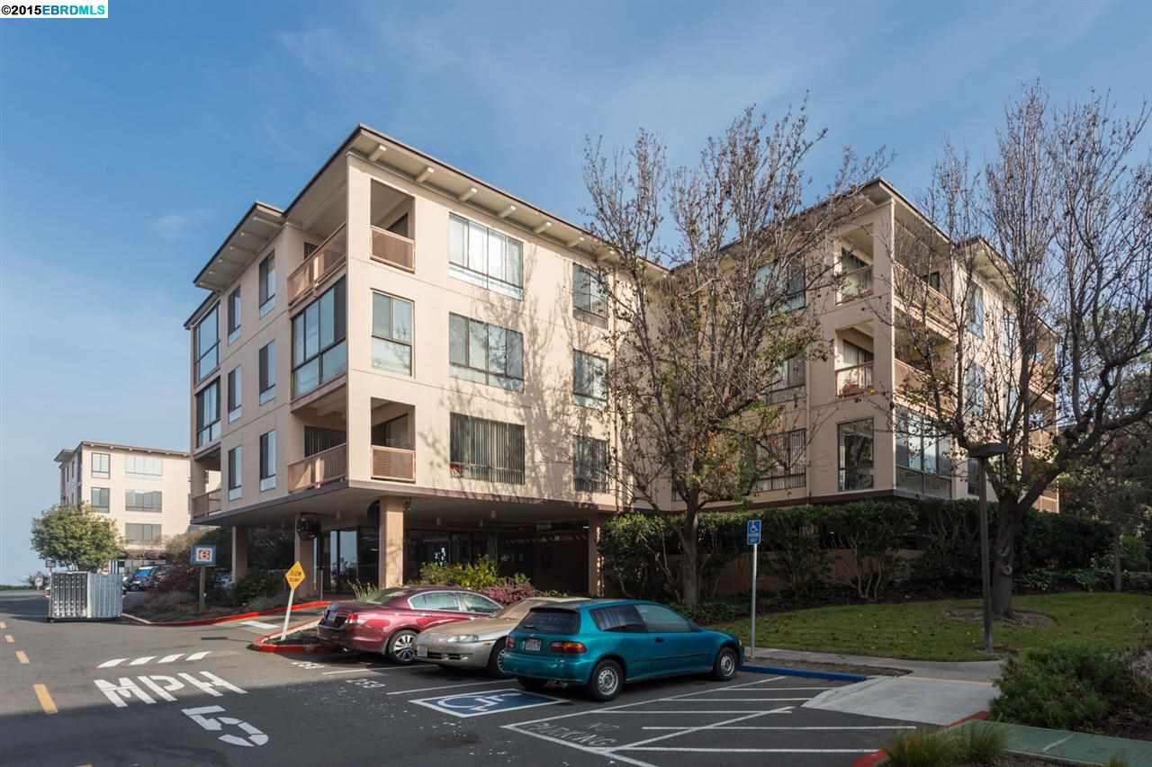 獨棟家庭住宅 為 出售 在 6 ADMIRAL Drive Emeryville, 加利福尼亞州 94608 美國
