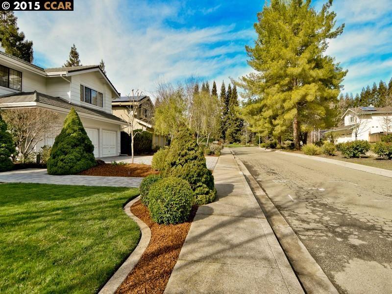 Single Family Home for Sale at 10137 NANTUCKET Drive San Ramon, California 94582 United States