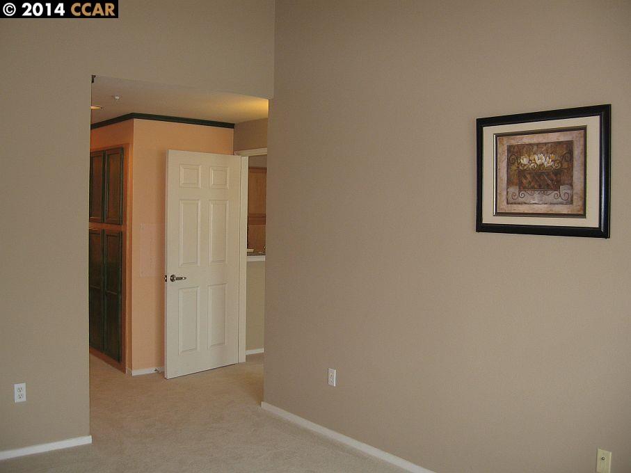 Additional photo for property listing at 320 CALDECOTT Lane  Oakland, Kalifornien 94618 Vereinigte Staaten