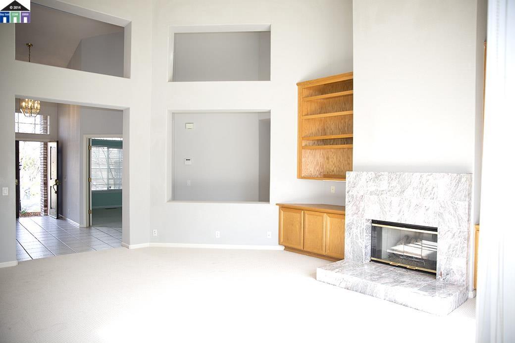 Additional photo for property listing at 2690 Vista Diablo Court  Pleasanton, Kalifornien 94566 Vereinigte Staaten
