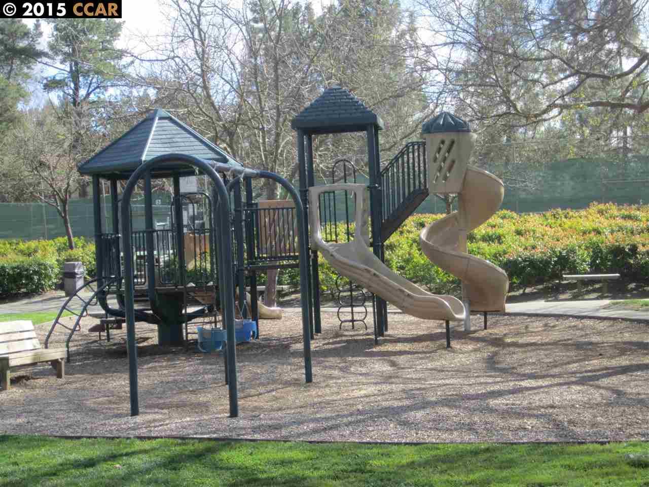 Additional photo for property listing at 80 LEEDS CT E  Danville, Kalifornien 94526 Vereinigte Staaten