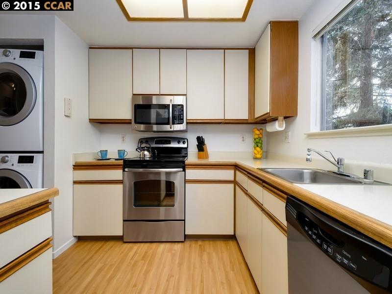 Additional photo for property listing at 2725 OAK Road  Walnut Creek, Californie 94597 États-Unis