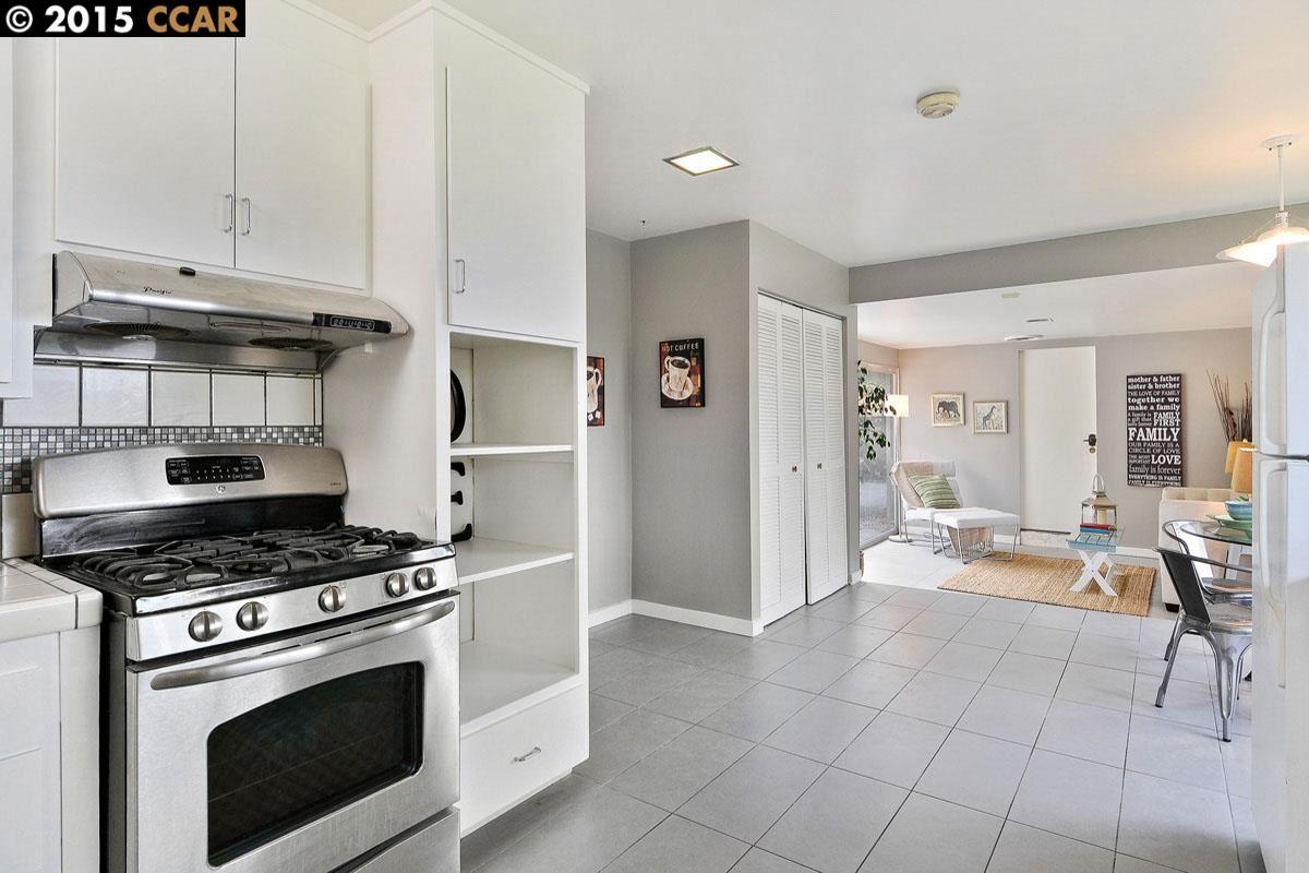 Additional photo for property listing at 2506 TASSAJARA Avenue  El Cerrito, Калифорния 94530 Соединенные Штаты