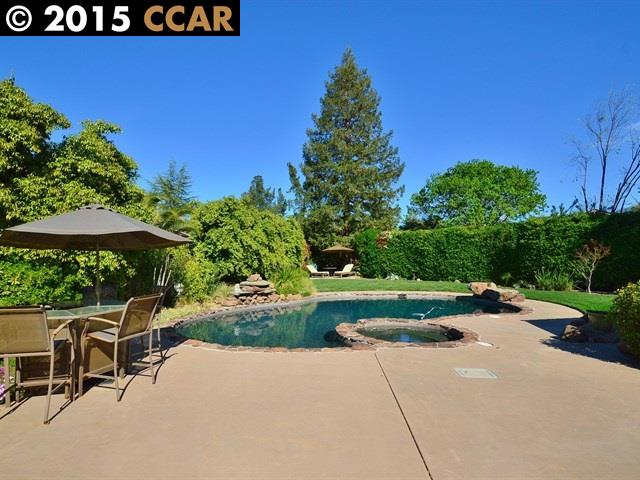 Casa Unifamiliar por un Venta en 3247 WANSTEAD Court Walnut Creek, California 94598 Estados Unidos