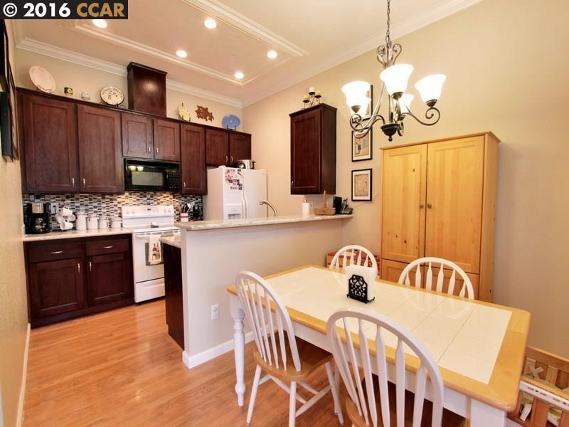 Additional photo for property listing at 212 Borel Lane  Danville, Californie 94526 États-Unis