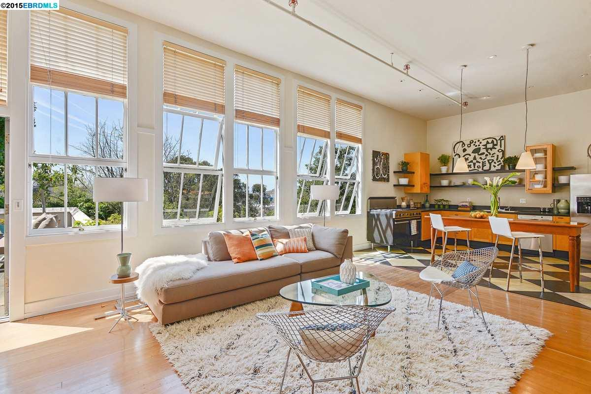 Частный односемейный дом для того Продажа на 3239 KEMPTON Avenue Oakland, Калифорния 94611 Соединенные Штаты